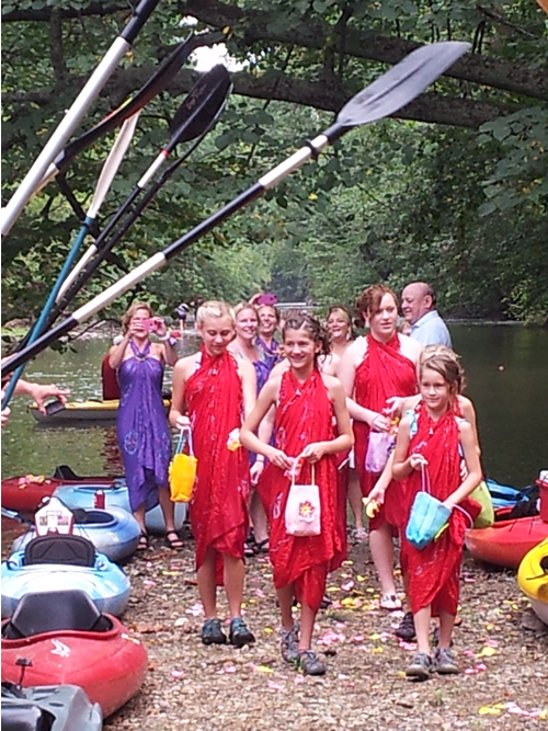 Wedding party of the kayak wedding